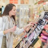 Layout de perfumaria em farmácia